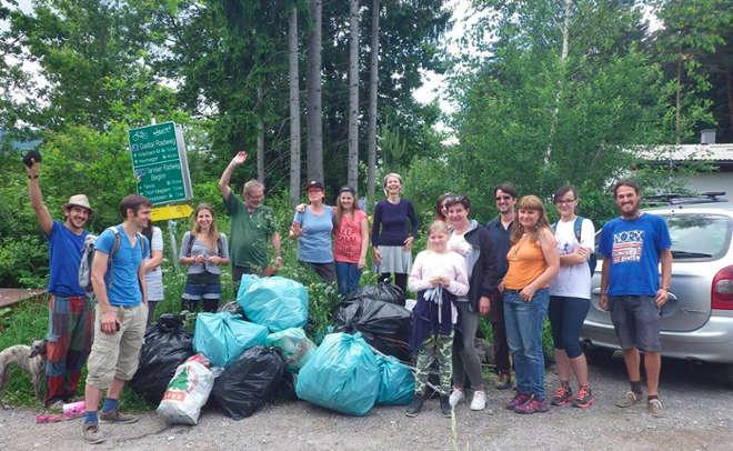 Müll-Gruppenfoto